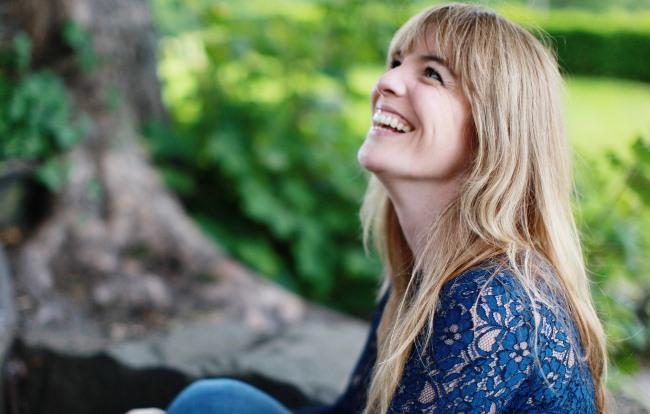 Detoxikace, šťastná žena