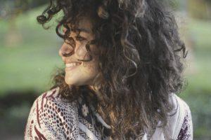 Krásná žena, vlasy, pleť