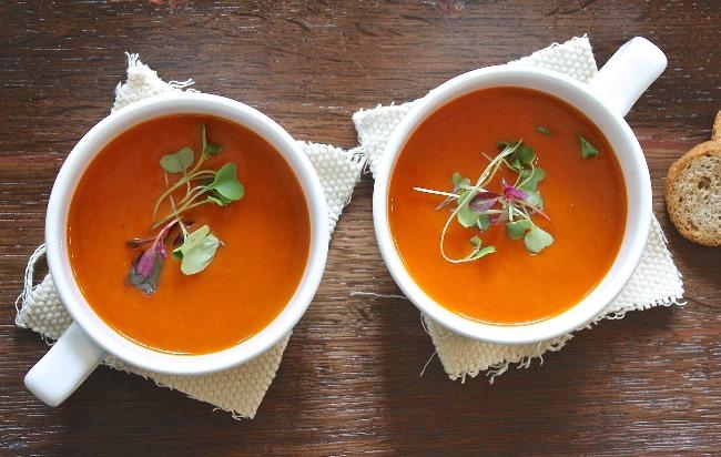 Polévka studená, s bylinkami