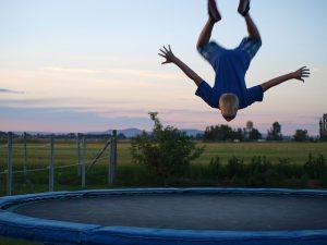 Jumping, skákání na trampolíně