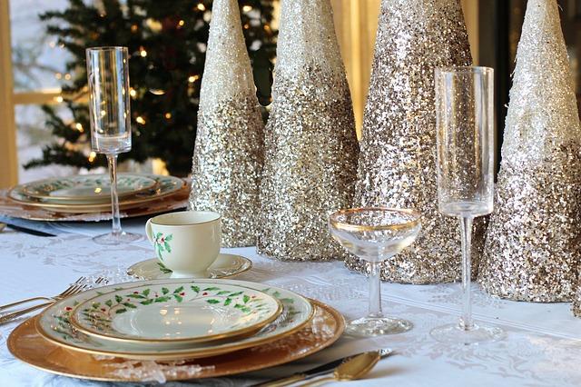 Veselé a zdravé Vánoce, vánoční stůl, vánoční večeře
