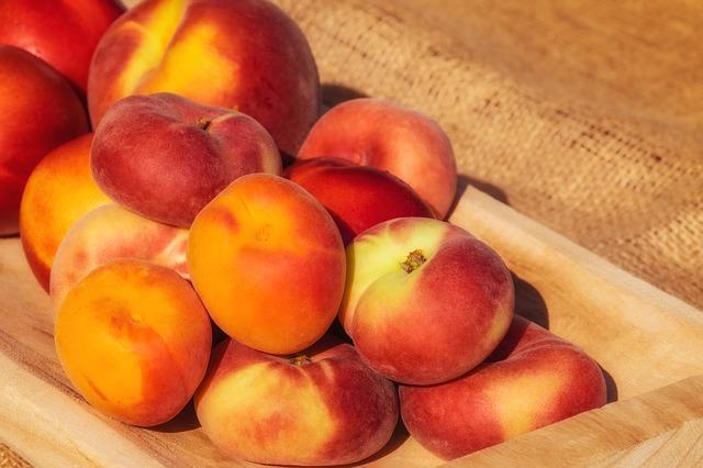 Ovoce na odvodnění organismu: meruňky