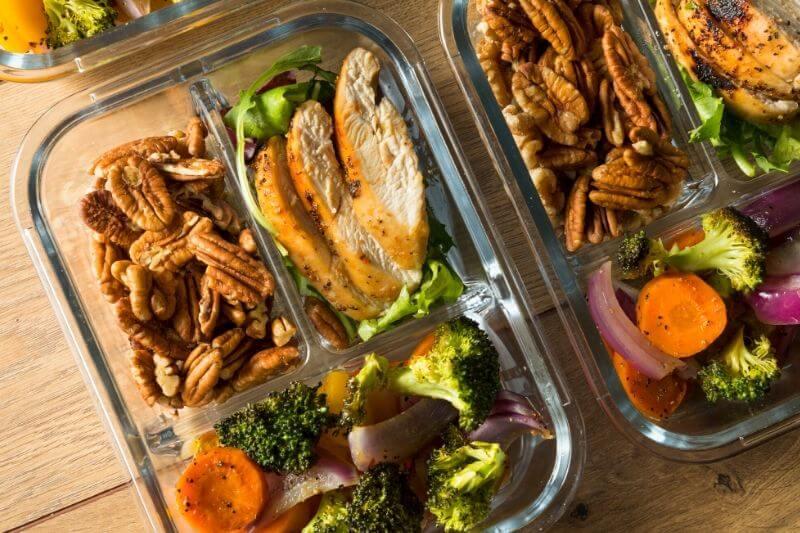 Konzumujte zejména potraviny s vysokým obsahem tuků.