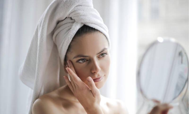 Kolagen napomáhá hydratovat pokožku