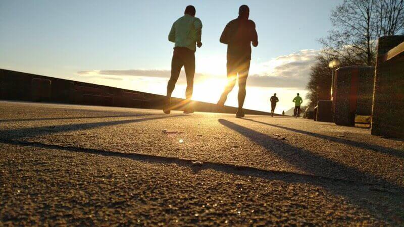 běhání a aerobní aktivity jsou ověřeným způsobem, jak zhubnout břicho