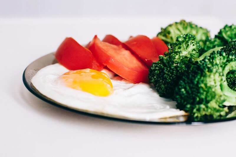 Brokolici a rajčata můžete jíst donekonečna.