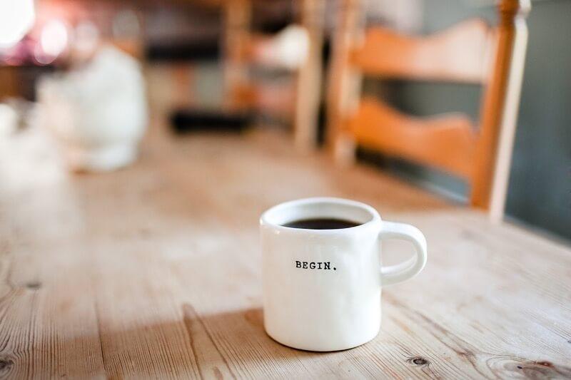 Kofein v kávě a čaji zrychluje váš metabolismus o 3-11%