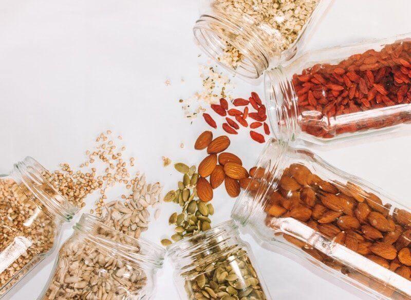 Na vlákninu jsou bohatá zejména lněná, slunečnicová, dýňová semínka