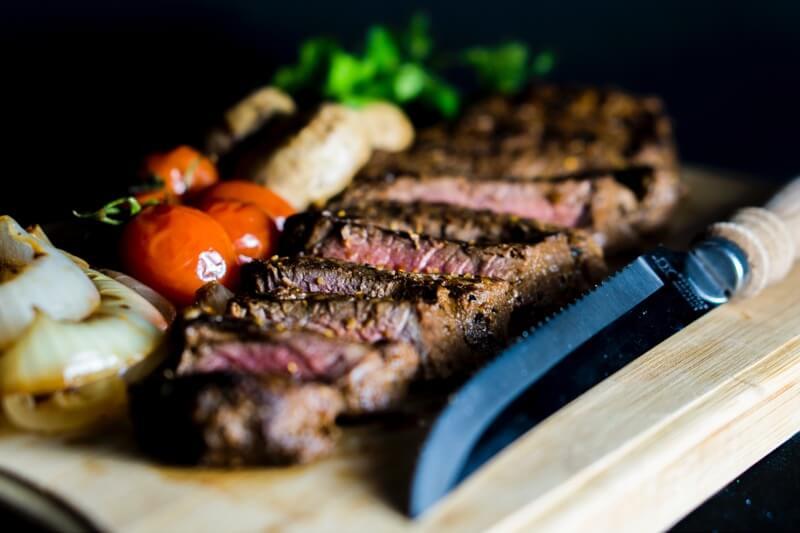 Steak je vynikajícím zdrojem bílkovin